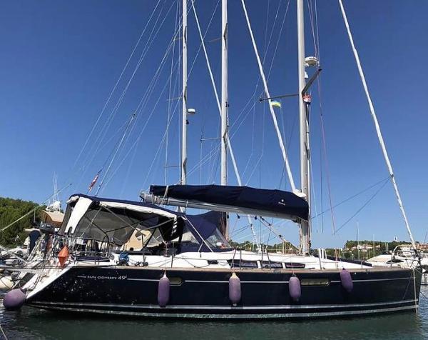 Jeanneau Sun Odyssey 49i / Owners version