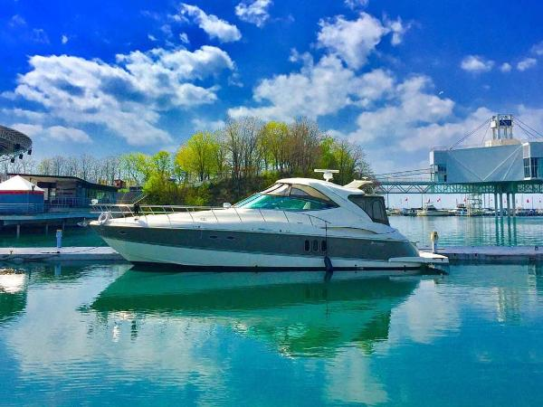 Cruisers Yachts 520 Express Profile