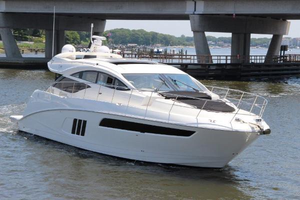 Sea Ray L590