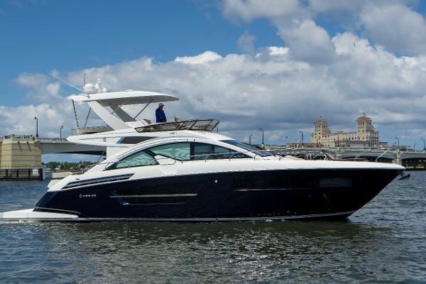 Cruisers Yachts Fly ON POINT