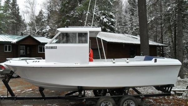 CUSTOM BUILT 21' x 6' Fiberglass Work/Utility Boat