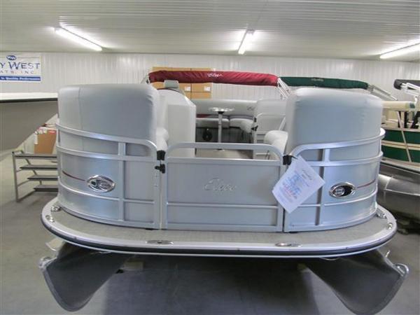 Bentley Pontoons 220 Elite Admiral
