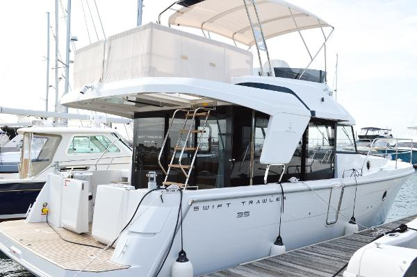 Beneteau Swift Trawler 35 - In Stock Swift trawler 35