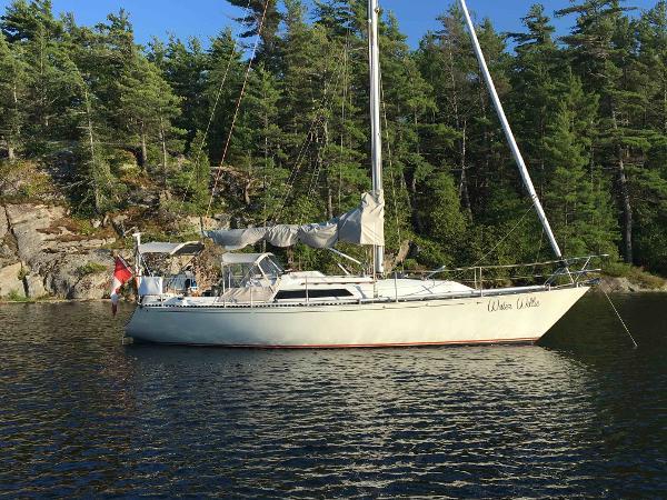 C&C 35 MK3 at anchor
