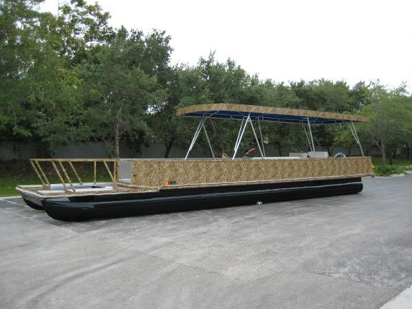 Custom Pontoon 40 Pontoon
