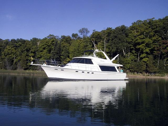 Bayliner 4788 Lola Marie port profile web1.jpg
