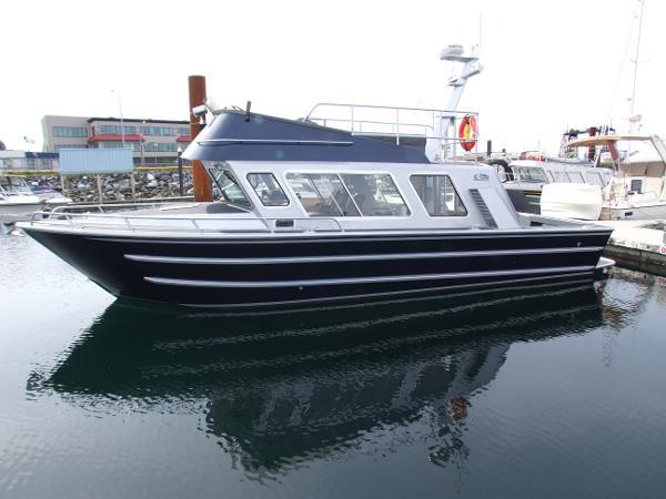 EagleCraft 32' Cruiser