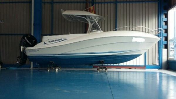Quicksilver Commander 720