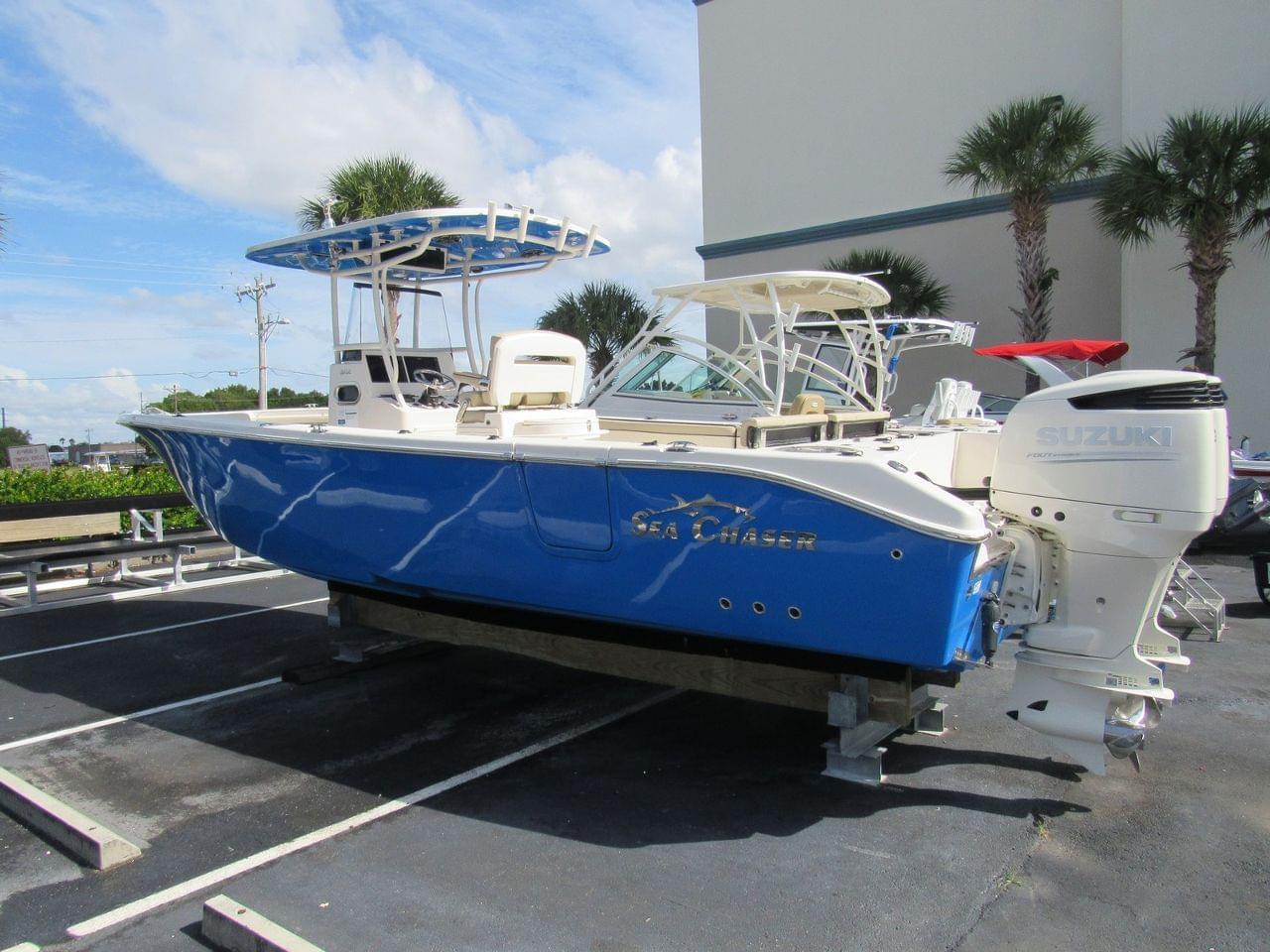 Sea Chaser 30 HFC BW CC
