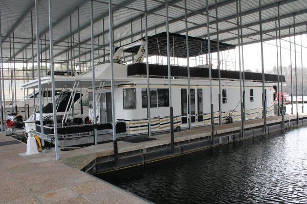 Horizon 65x16 House Boat