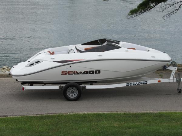 Sea-Doo Sport Boats Challenger 180