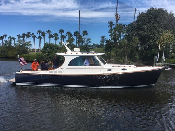 Hinckley 37 Picnic Boat MKIII