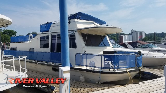 Harbor Master 47 House Boat