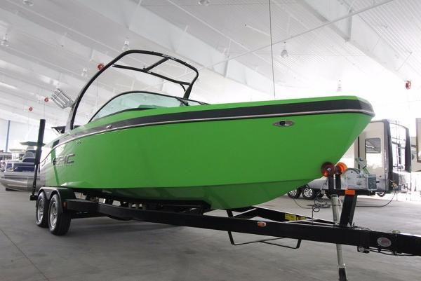 Epic Boats 23V