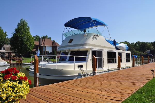 Cruise-A-Home Corsair 40 Dockside