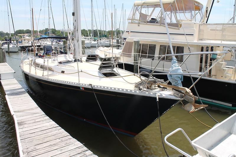 Gulfstar Hirsch 45 Starboard Bow