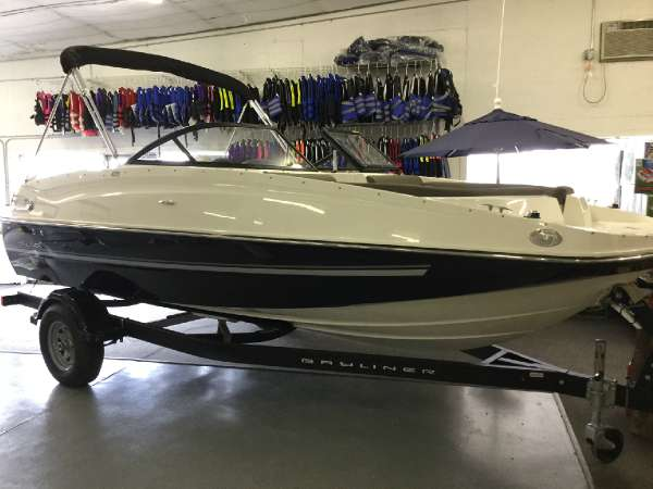Bayliner 195 Deck