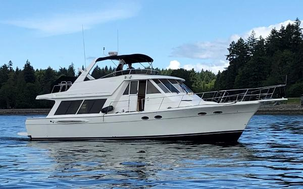 Meridian 490 Pilothouse Meridian 490 Profile