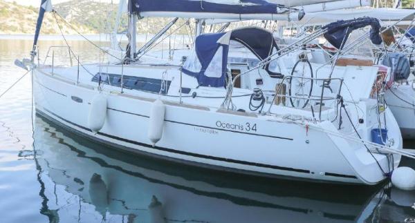 Beneteau Oceanis 34 2013 Beneteau Oceanis 34