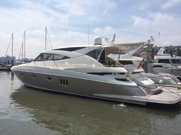 Riviera Sports Yacht