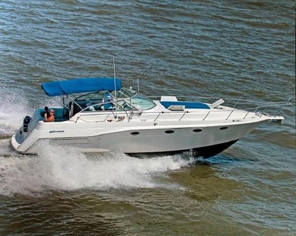 Cruisers 3675 Esprit