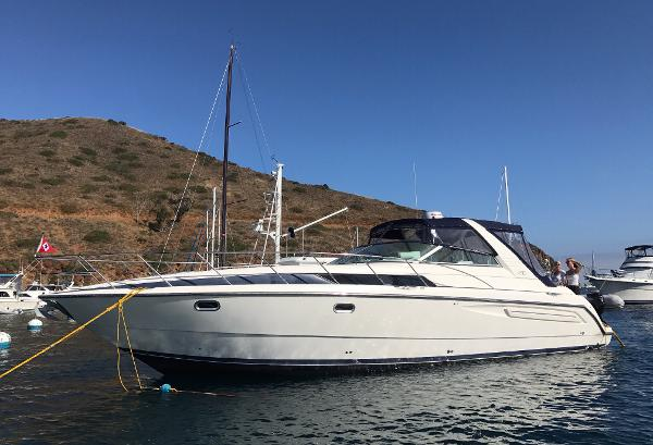 Bayliner 4085 Avanti Express Cruiser