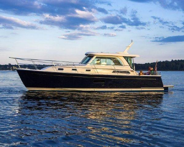 Sabre 38 Salon Express Profile