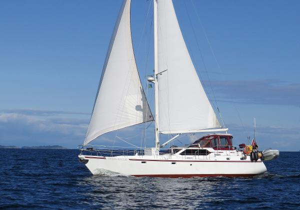 Custom Kristen Yachts Pilot House 465