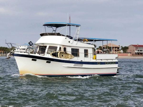 DeFever 43 Trawler Underway