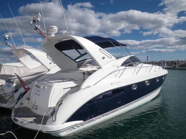 Fairline Targa 40 On Berth