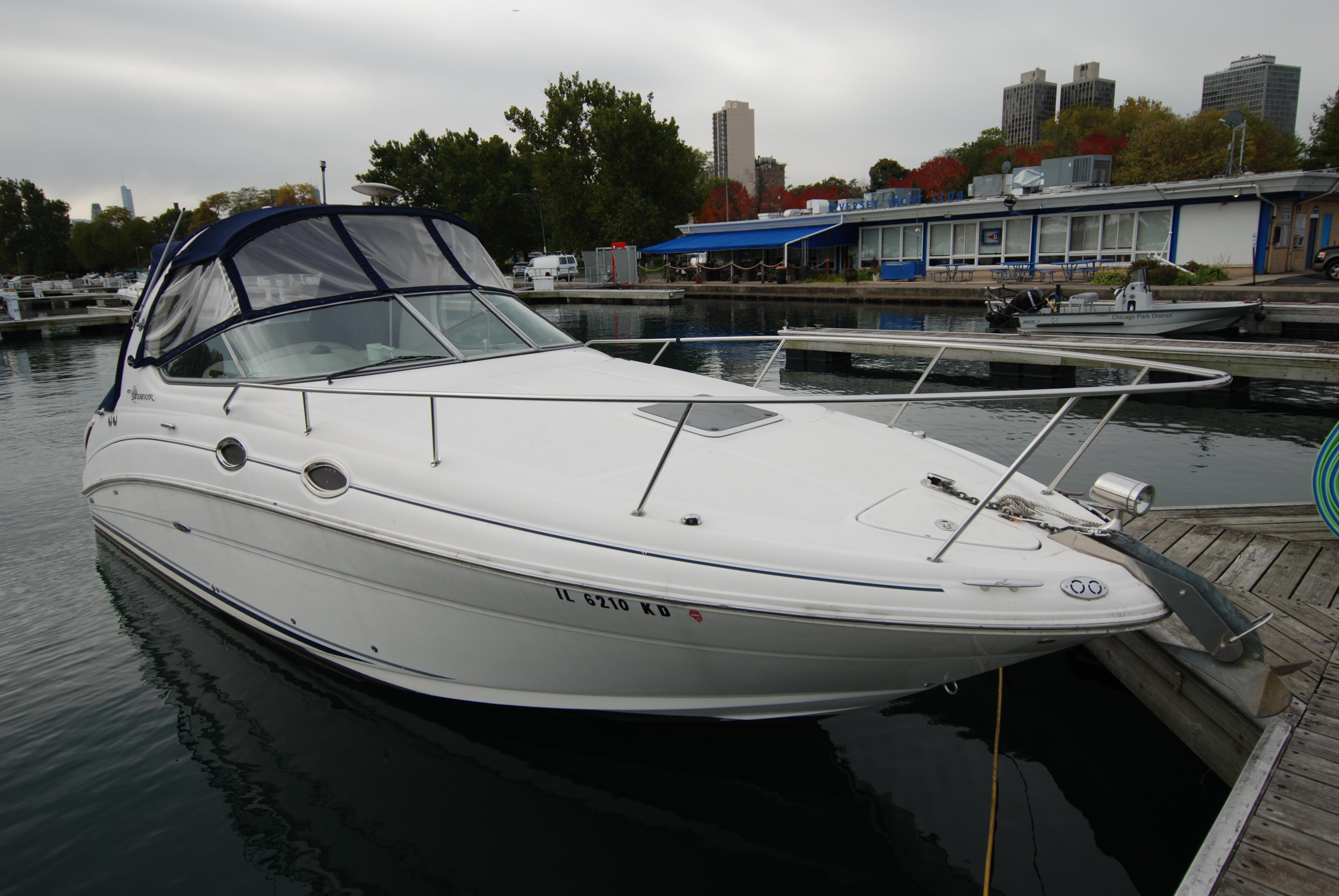 Sea Ray 280 Sundancer Exterior