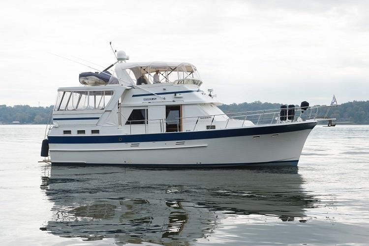 Jefferson 45 Motor Yacht 1. Starboard View.jpg