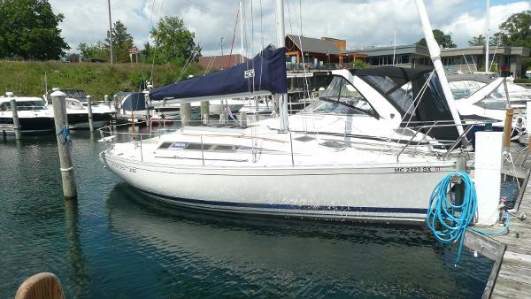Beneteau 305 Starboard bow