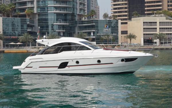 Beneteau GT 38 Motor Yacht