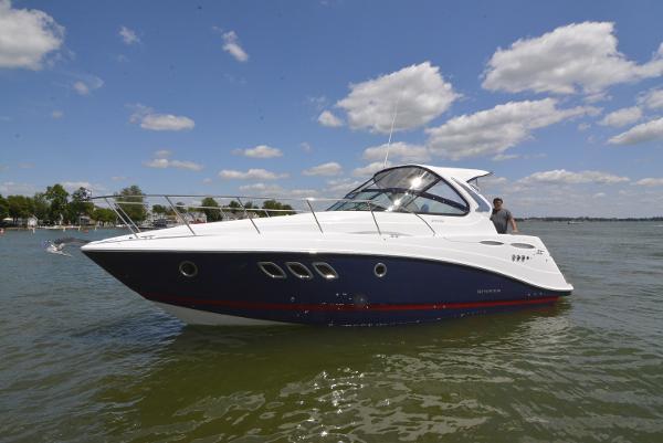 Rinker 2020 Rinker 370 Cruiser