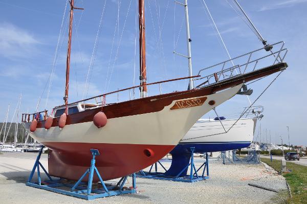 Sailboat William Garden Ketch 39