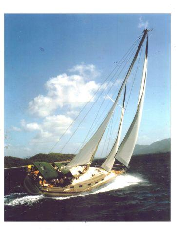 Island Packet 350 Underway