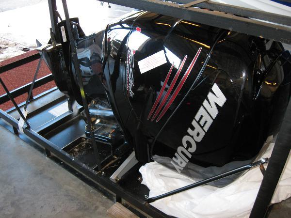 Mercury Inflatables 250L Verado Pro