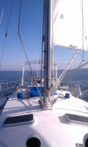 Albin Nimbus 42 Sailing