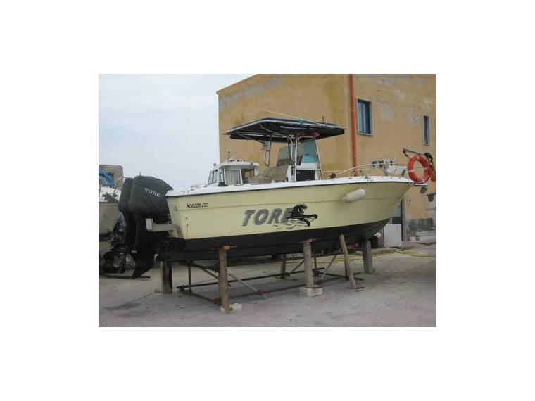 Triton Angler Boats Horizon 252 CC