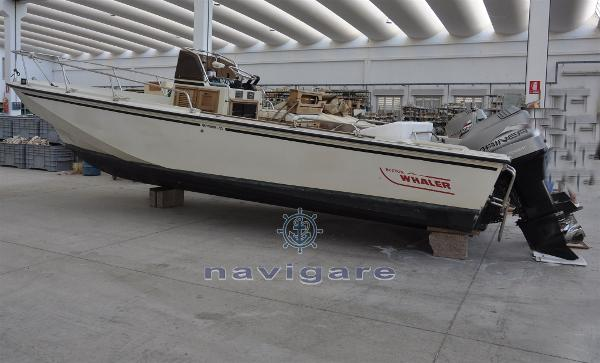Boston Whaler 25 Outrage DSC_3501