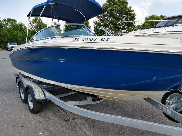 Sea Ray 220 Select