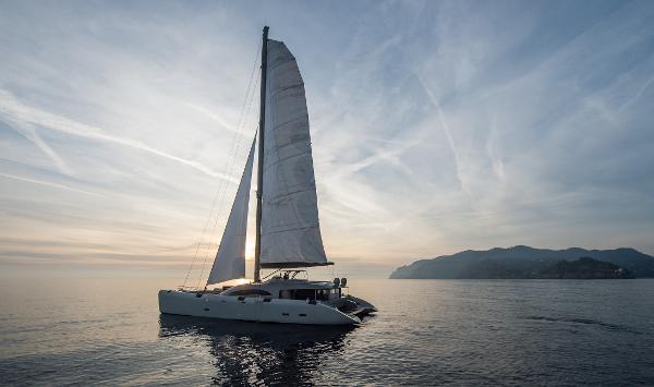 Magic Yachts CATAMARANO