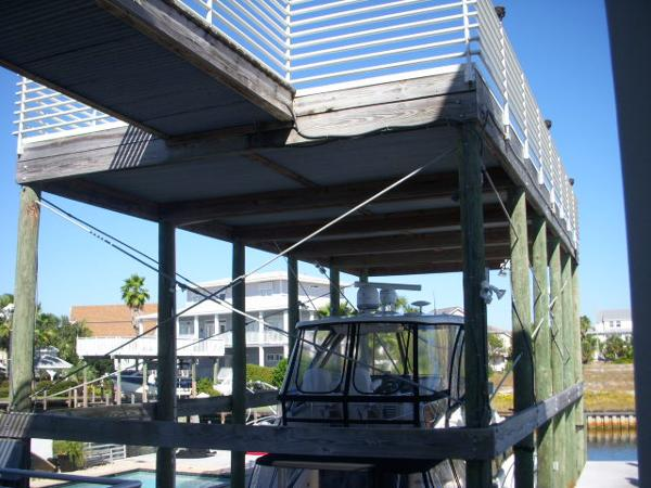 Covered Slip- w/upper deck