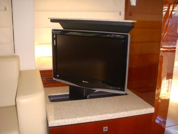 Entertainment Cabinet / w/TV in play position