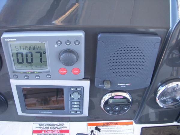 Helm:A-pilot, SmrtCraft Vessel View, VHF spkr, Stereo Remote