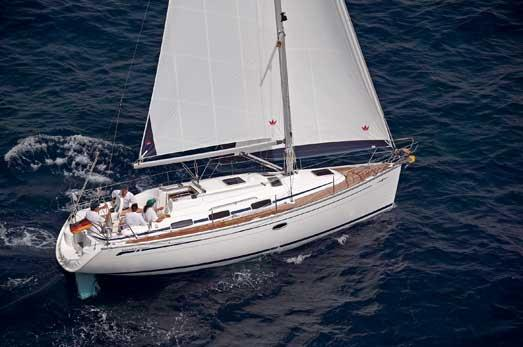 Bavaria Cruiser 33 Manufacturer Provided Image: Side View
