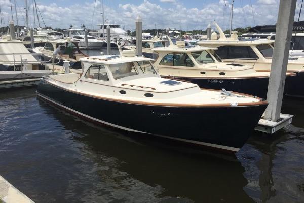 Hinckley Picnic Boat Classic ML