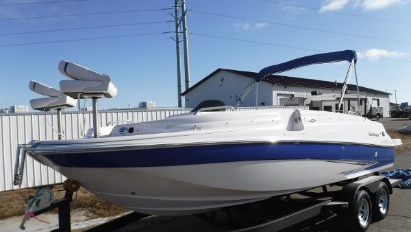 Glastron DS 215 Deckboat