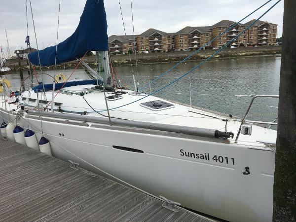 Beneteau First 40 Beneteau First 40 - Sunsail 4011